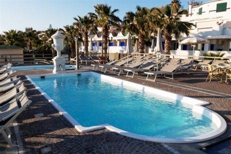 hotel-baiadellesirene-ischia-piscine1