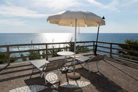 hotel-baiadellesirene-ischia-terrazzo