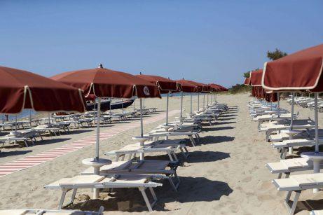 magna-grecia-village-spiaggia-attrezzata-1 (FILEminimizer)